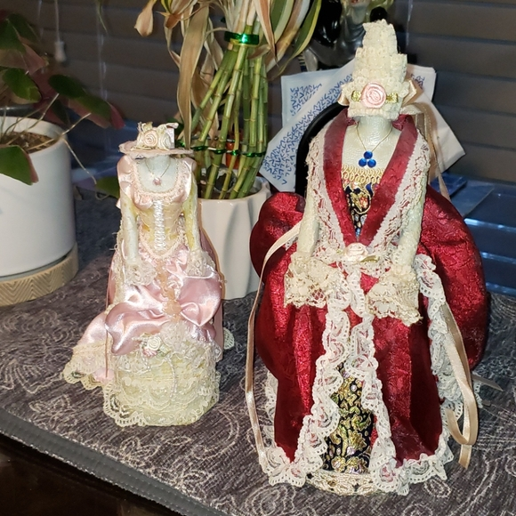 2 Victorian Gown Decor~Good Cond